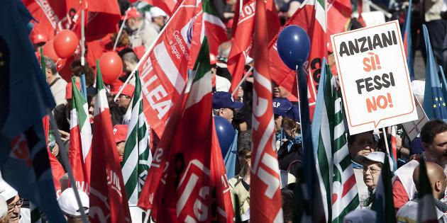 """Partono i mini-tagli delle pensioni. Cgil denuncia: """"Conguaglio rinviato a dopo le Europee, imbroglio elettorale"""""""