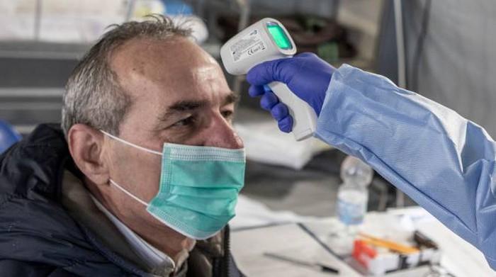 Sindacati pensionati: urgenti vaccini e legge non autosufficienza