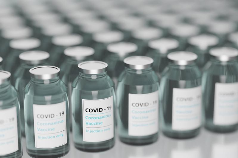 Sindacati pensionati, sì all'obbligo vaccinale